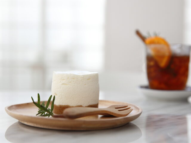 https://sfpmfoodconsulting.com/wp-content/uploads/2020/12/31197104_cheese-cake-on-wood-640x480.jpg